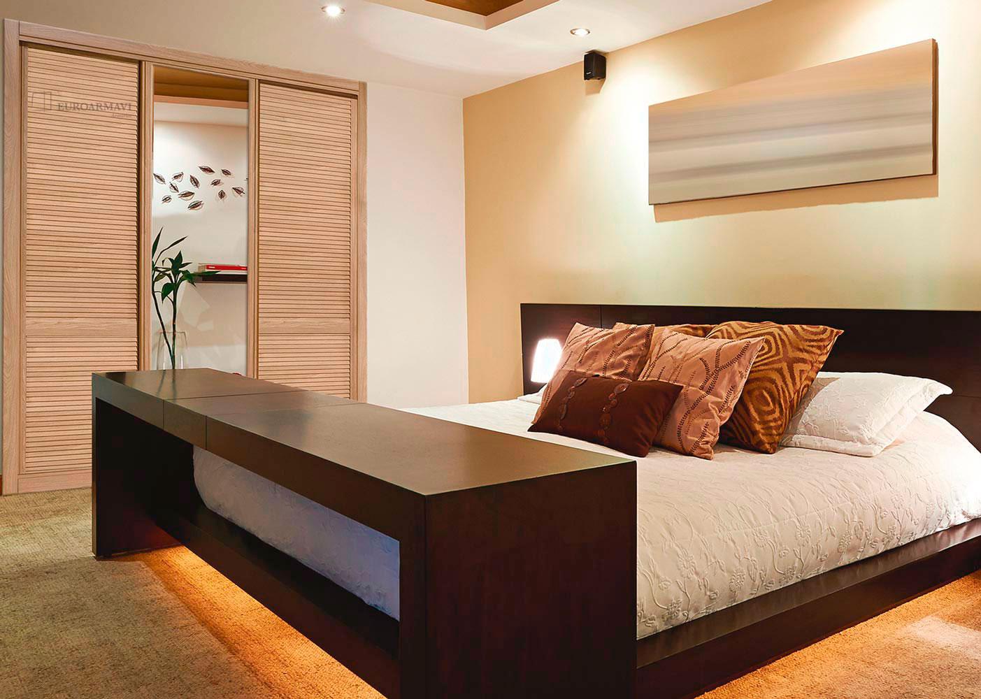 Muebles empotrados para dormitorios simple armario con for Espejos habitacion juvenil